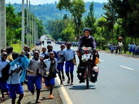 任性!一个人骑车去非洲
